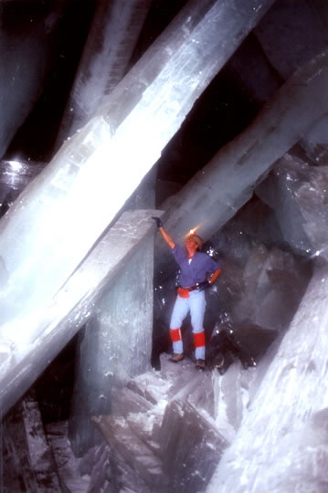 Crystal Cave of Giants